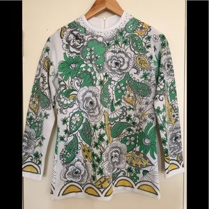 Vintage Paisley 70s fitted sweater with zip.